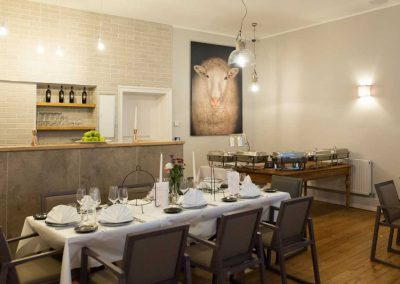 Cottage-Hotel-Bar-Buffet